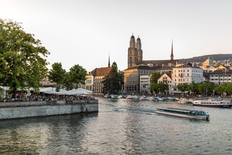 Lake Zurich, only one step from Neues Schloss Privat Hotel Zurich